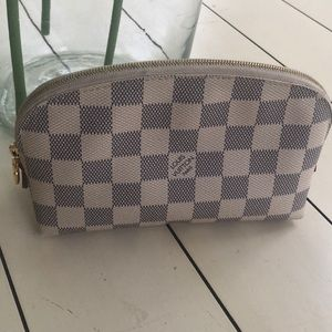 Handbags - Louis Vuitton Cosmetic Pouch